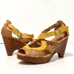 Miz Mooz leather platform sandals size 9
